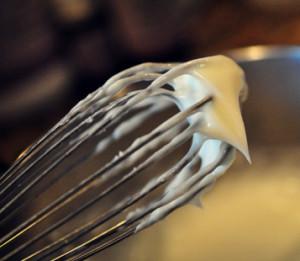 ванильный крем для тела из масла какао на венчике