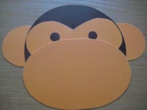 лицо обезьяны вырезанное из картоны
