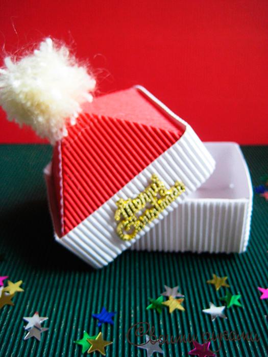 Коробка для подарков шапка Санты