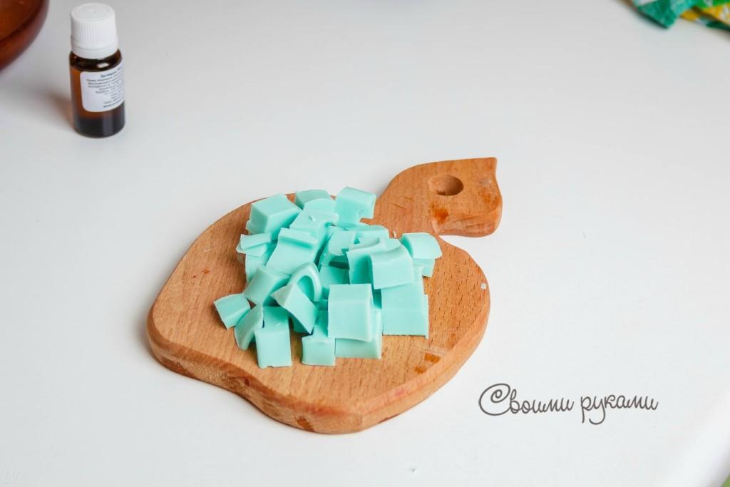 мыло из основы нарезаное кубиками