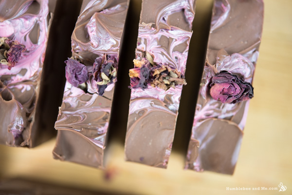 17-01-16-chocolate-and-roses-valentine-soap-02